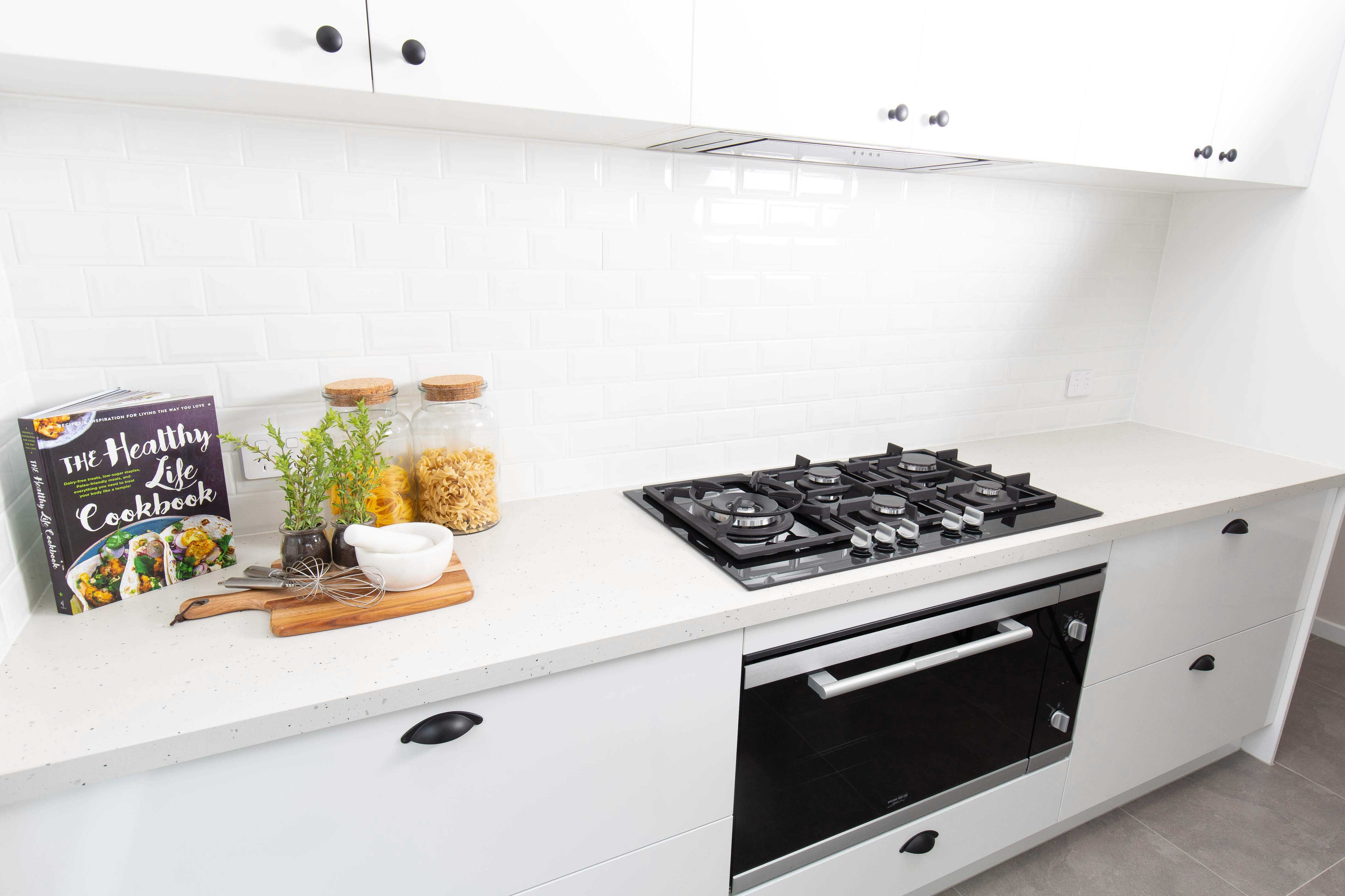 Kitchen with 900mm European Gas Cooktop & Oven